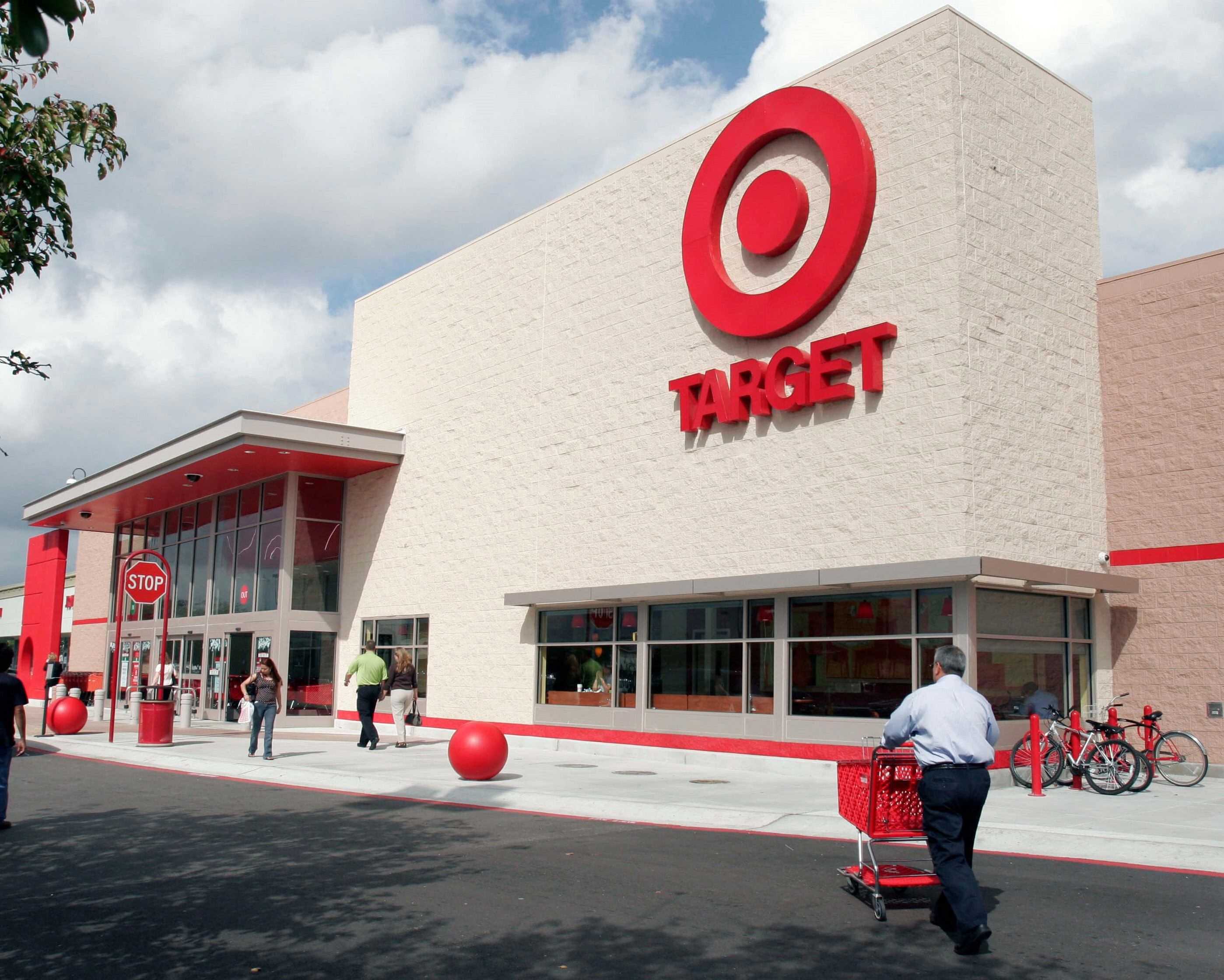 TARGET EMPLOYEE WHO STRIP-SEARCHED BLACK CUSTOMER, FIRED!