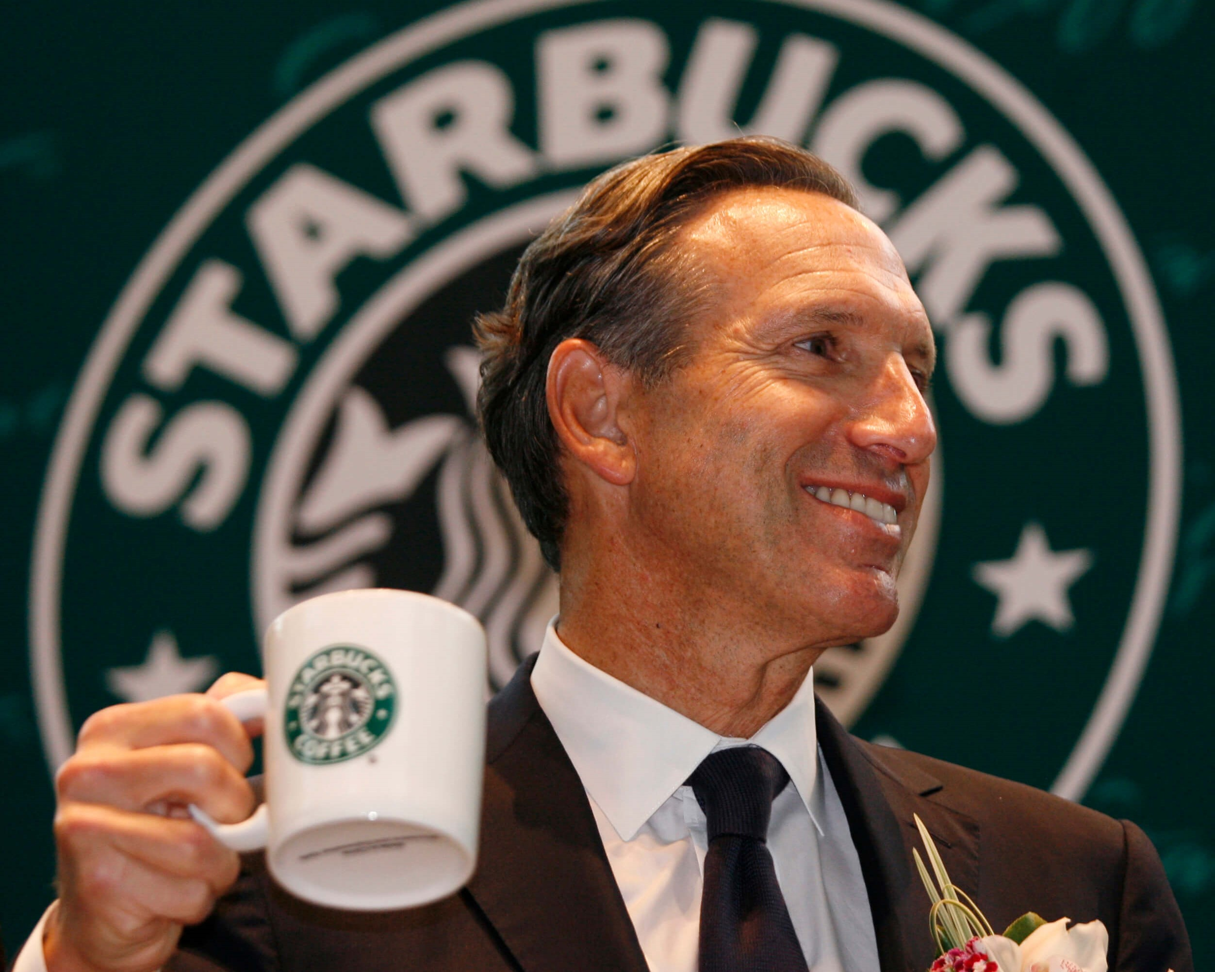 HOWARD SCHULTZ SETS SUN ON STARBUCKS, WITH OVAL OFFICE ON THE HORIZON