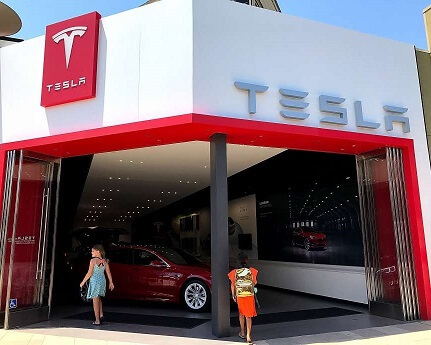 Tesla workers suffer injuries at Gigafactory