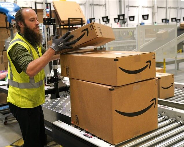 AMAZON TO INCREASE ITS MINIMUM WAGE TO $15