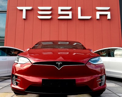 Tesla to cut its staff by 75% amidst lockdown orders!
