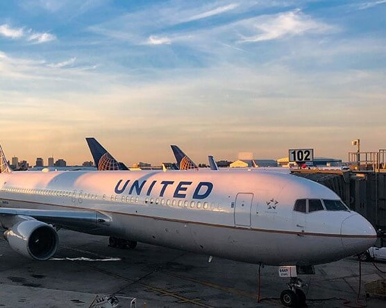 United Air to slash 30% of managerial staff!
