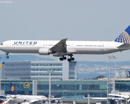 United Airline's employee files a lawsuit against unpaid leave policy!