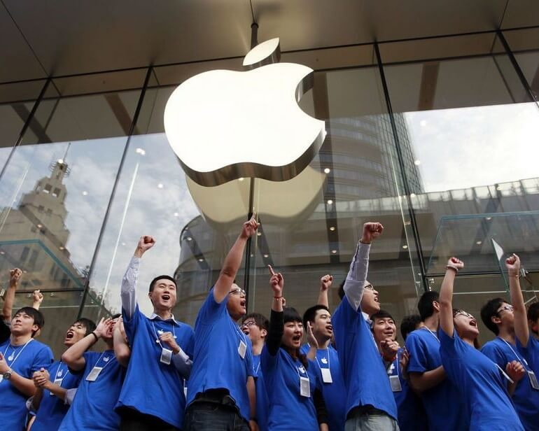 APPLE SUPPORTS 2.4 MILLION U.S. JOBS