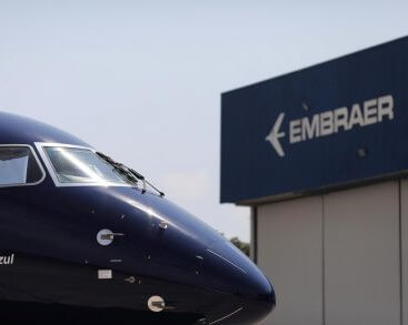 EMBRAER FURLOUGH 15000 WORKERS