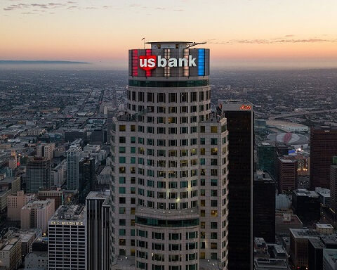 U.S BANCORP TO CUT OFF THOUSANDS OF WORKERS