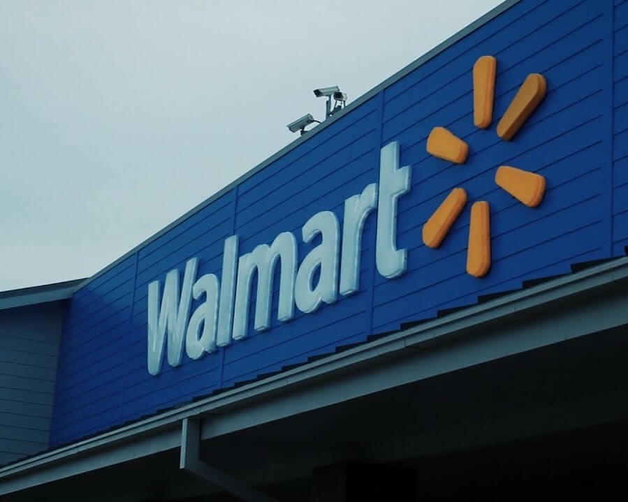 WALMART OPENS TRAINING CENTER IN DISTRIBUTION CENTER